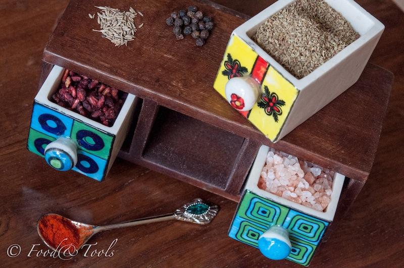Wooden Spice Box with Chilli, Salt, Cumin, Black pepper,Pomegranate, ajowan seeds