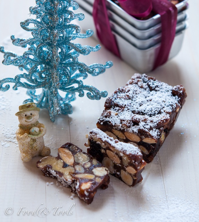 Italian Fruit And Nut Christmas Cake