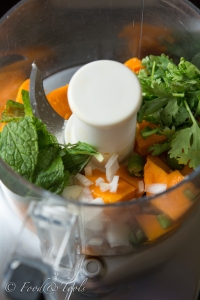 chopped mango, spring onion, green chili, mint and coriander leaves in a processor