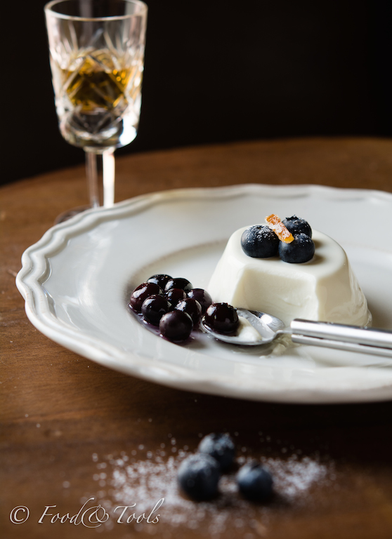 Panna Cotta-Orange-Amaretto-Blueberry Compote-0544
