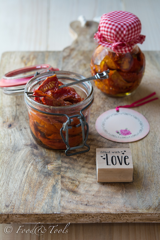 Oven Dried Tomatoes In Olive Oil Food And Tools