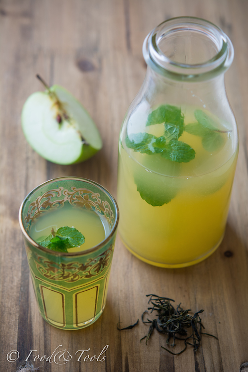 Iced Green Tea with Fresh Apple Juice and Mint..