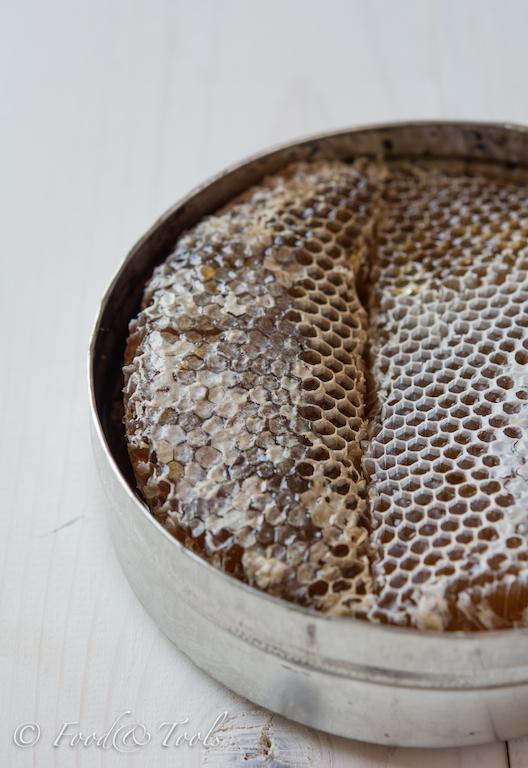 Yemen Honeycomb in a Tin-2069