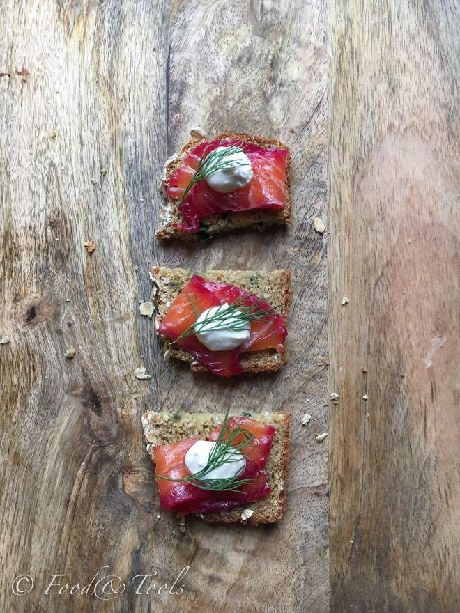 beetroot-cured-salmon-canapes-9077