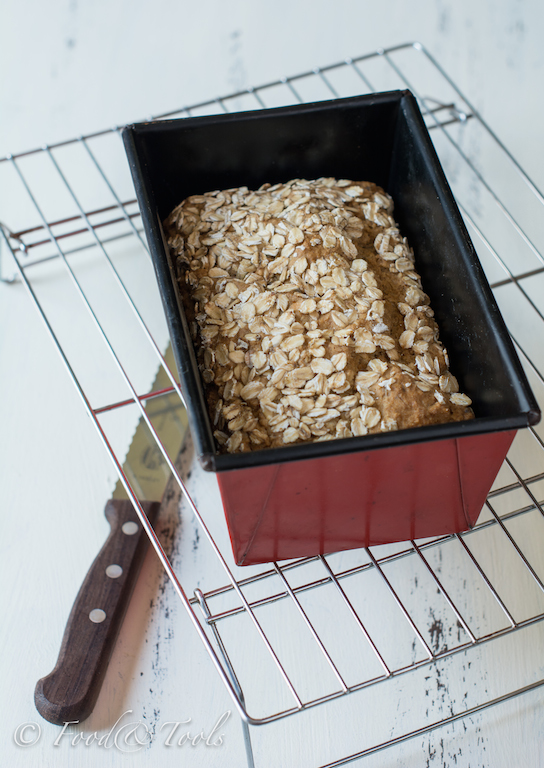 brown-bread-with-oatmeal_sunflower-seeds-4457-3
