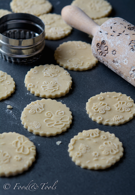 Bee Embossed Shortbread Biscuits Food And Tools
