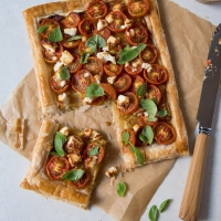 Tomato Tart with Roasted Garlic and Feta Cheese